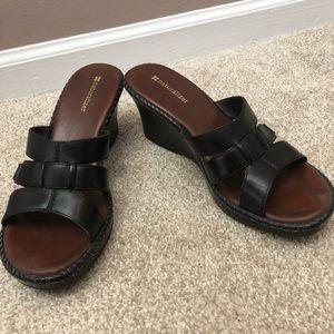 Size 9 Black Wedge